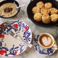Southern Buttermilk Biscuits and Sausage Gravy
