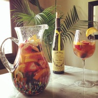 Going Hawaiian Style: Rainbow White Wine Sangria