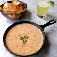 National Chips and Dip Day : Creamy Restaurant Style Queso....